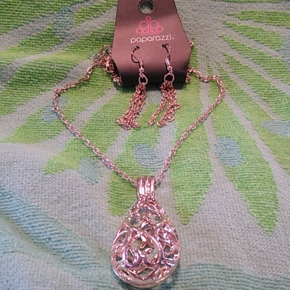 Paparazzi Magic Potions - Rose Gold - Necklace & Earrings